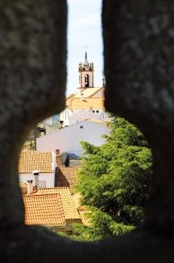 벨몽테 성 너머로 바라본 마을 풍경.