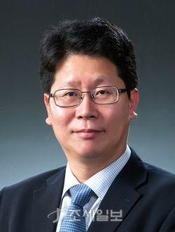 법무법인 광장에서 4일자로 박근범 전 창원지검 차장검사를 영입했다.