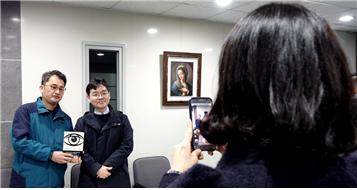 이동우 소장(오른쪽)과 함께 한 윤영돈 코치