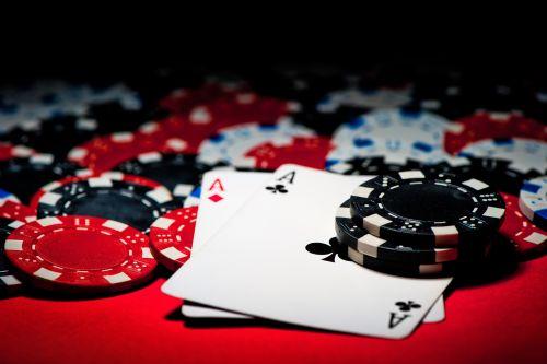 최근 도박은 일반적으로 부가가치세 과세대상이 아니지만 도박사이트를 통해 금원을 지급받은 것은 용역의 공급으로 과세대상이라는 법원의 판단이 나왔다. 사진=클립아트코리아.