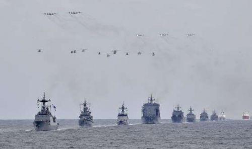 국제관함식 함정 사열장면(예행연습) (사진=해군제공)