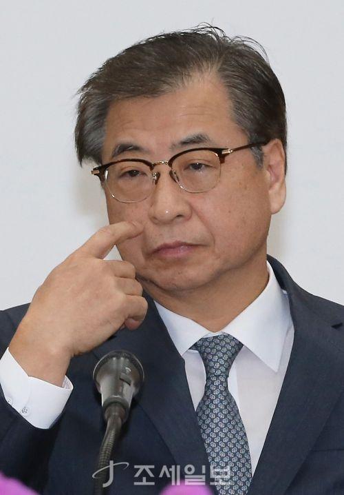 [포토]생각하는 서훈 국가정보원장