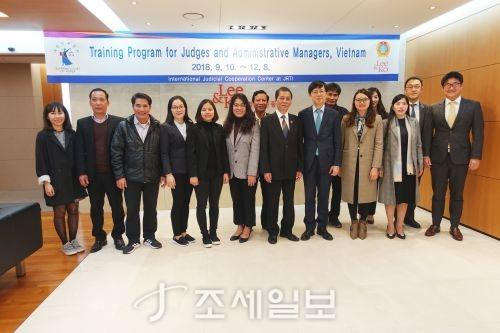 법무법인 광장이 지난 14일 광장 신관 18층 회의실에서 베트남 법관 및 법원공무원을 대상으로 연수교육을 실시했다.