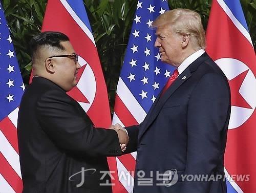 지난해 1차 북미정상회담에서 만난 김정은 북한 국방위원장과 트럼프 미국 대통령 (사진=연합뉴스)